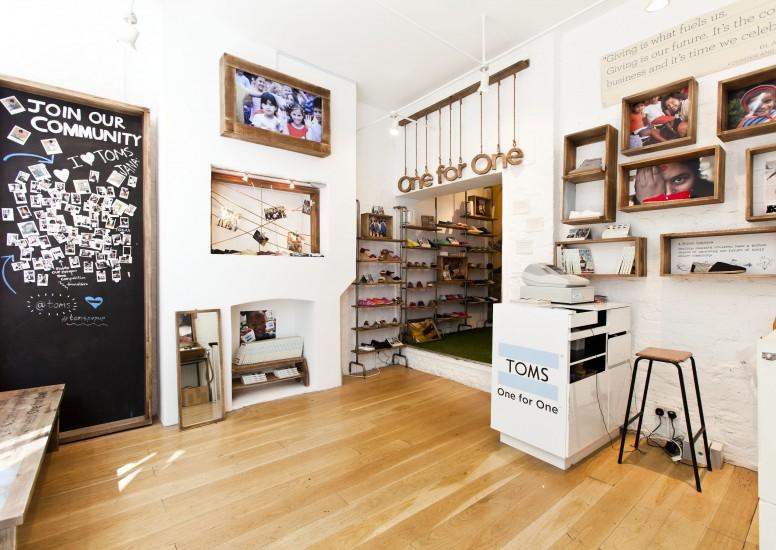Retail Design in a shoe shop